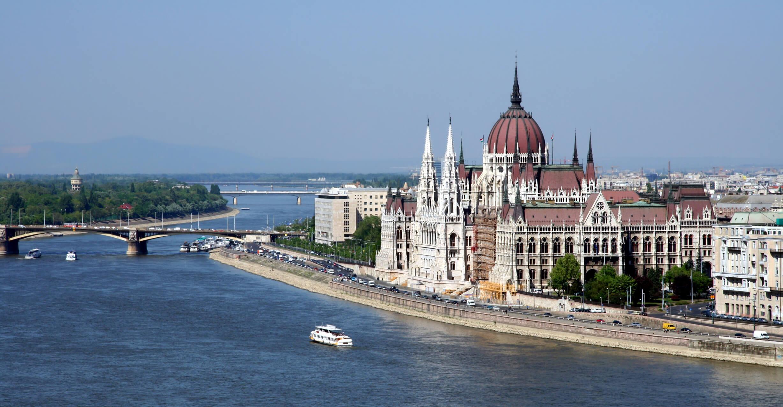 budapest_parliament_amk